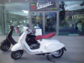 Vespa 946 / 2014 Black and White